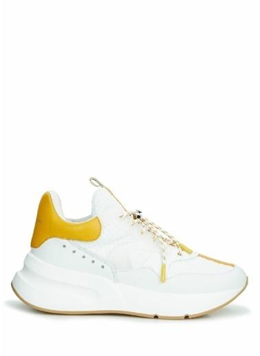 Alexander McQueen Alexander McQueen Oversize Runner   Kadın Deri Sneaker 101642599 Beyaz